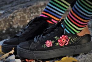 Die eleganten Socken für Damen wählen